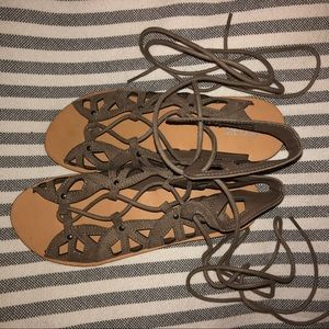 Mossimo Gladiator Tie Up Sandals Size 7